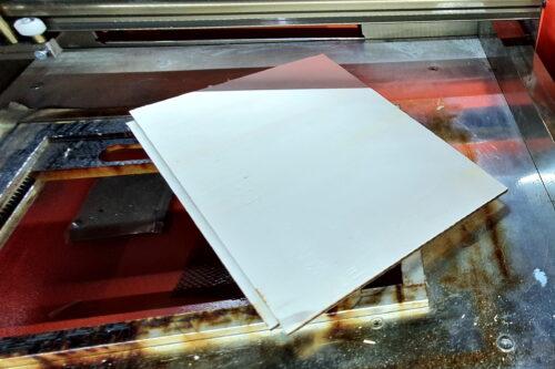Halteplatte für widerspenstiges Linoleum